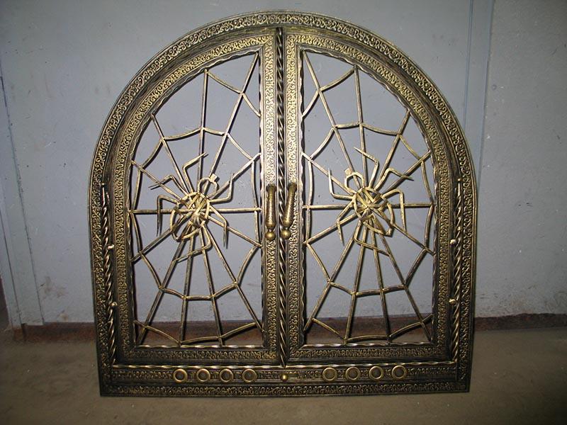 Кованные каминные дверцы