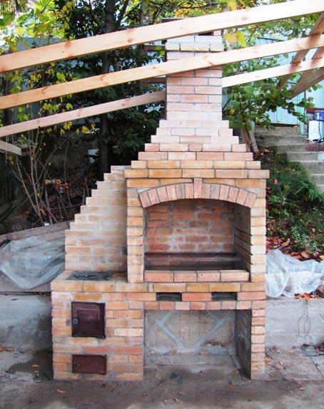 Как своими руками соорудить садовую печь-мангал: пошаговая ... | 574x454
