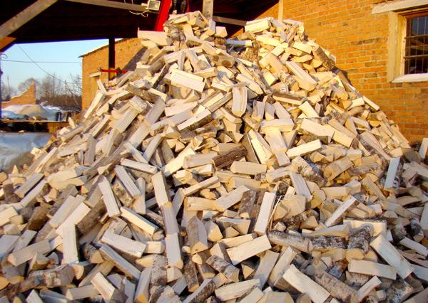 Как хронить дрова правильно