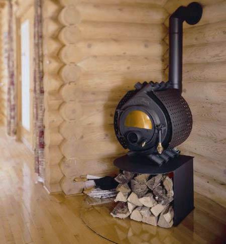 Бренеран в деревянном доме