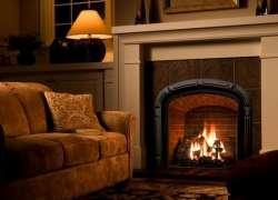 Уютная комната с дровяным отоплением