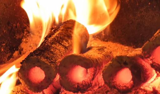 Горение топливных брикетов в печи